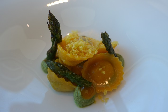 tortello with asparagus