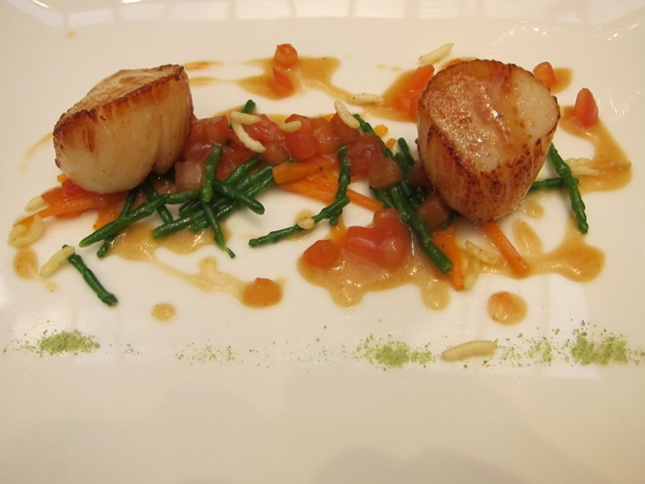 scallops with tomato