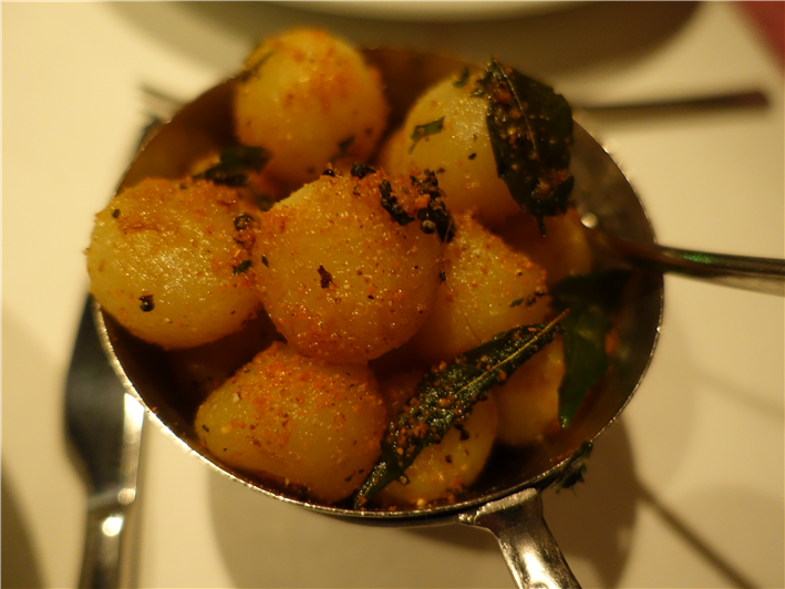 potatoes with lentil powder