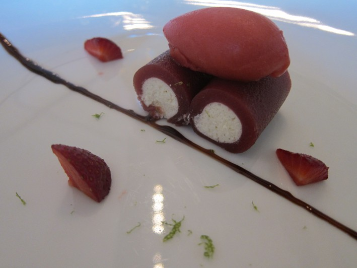 strawberry canneloni