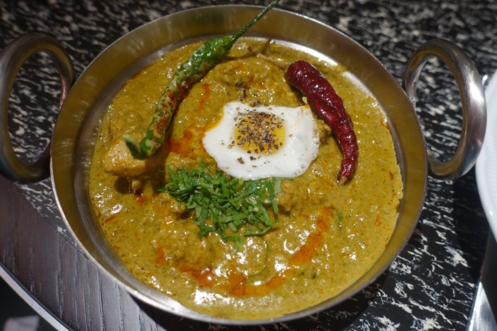 chicken and quail egg curry