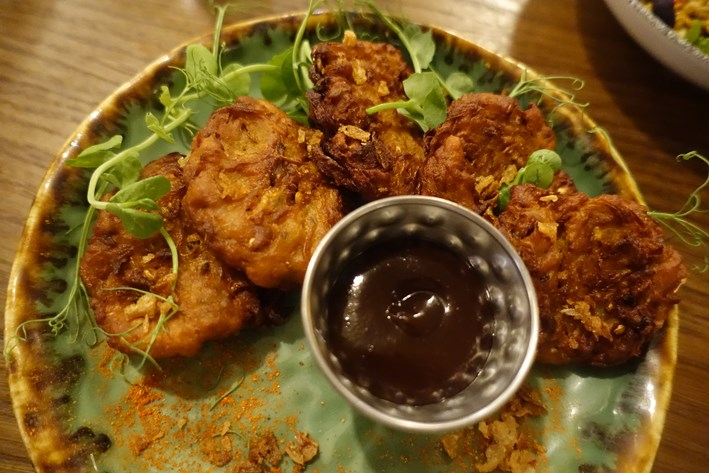onion and chilli bhajia
