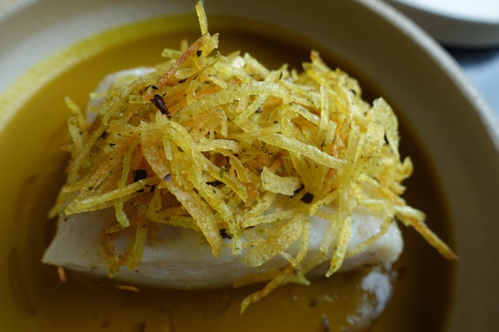 hake with curry sauce