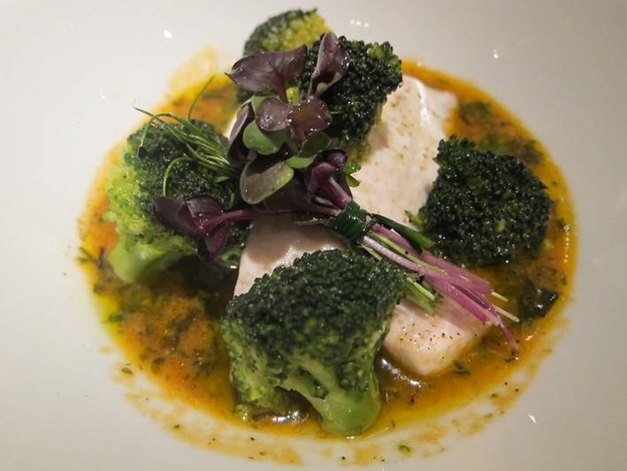 sea bream with broccoli