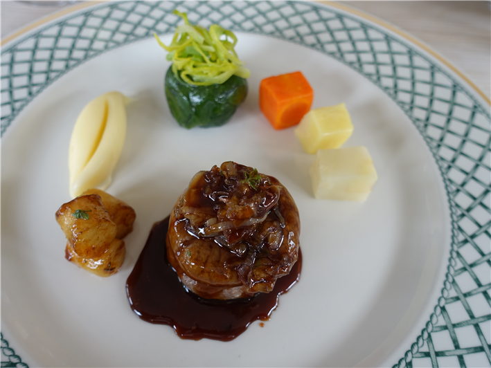 beef fillet with root vegetables