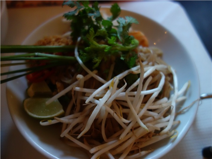 pad thai-crop-v1