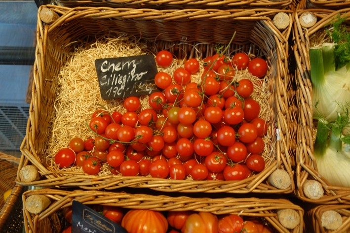 tomato display in deli