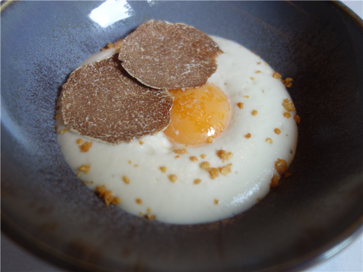 egg with white truffle
