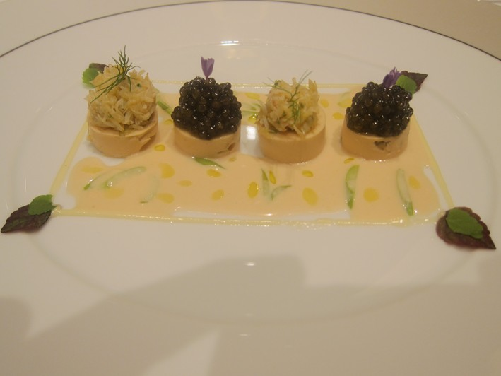 crab with caviar