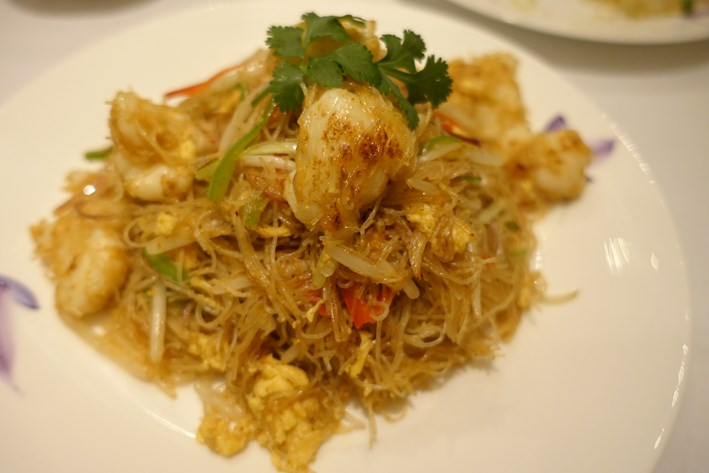 Singapore noodles with lobster
