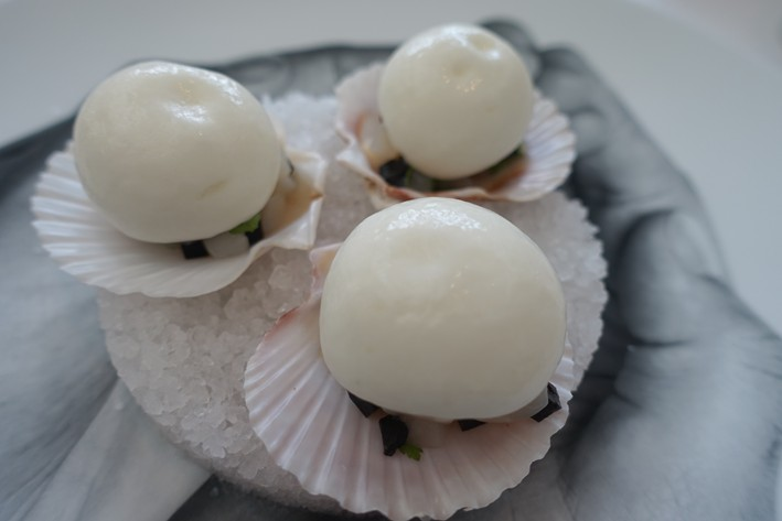 scallops with tomato foam
