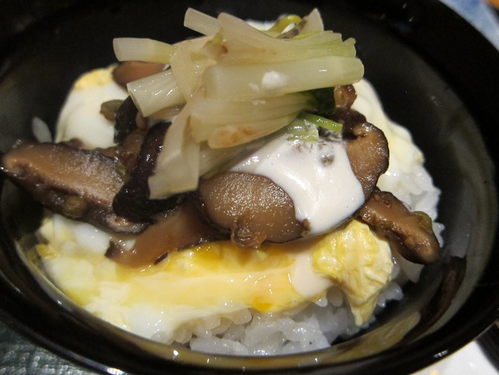 rice with egg and mushroom