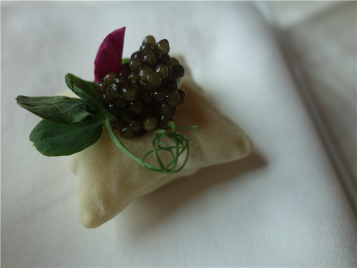 scallop cushion with Oscietra caviar