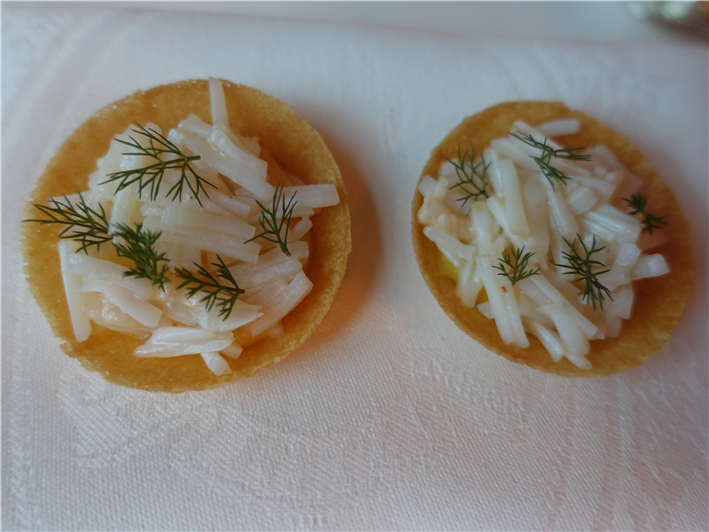 crab tartlet nibble