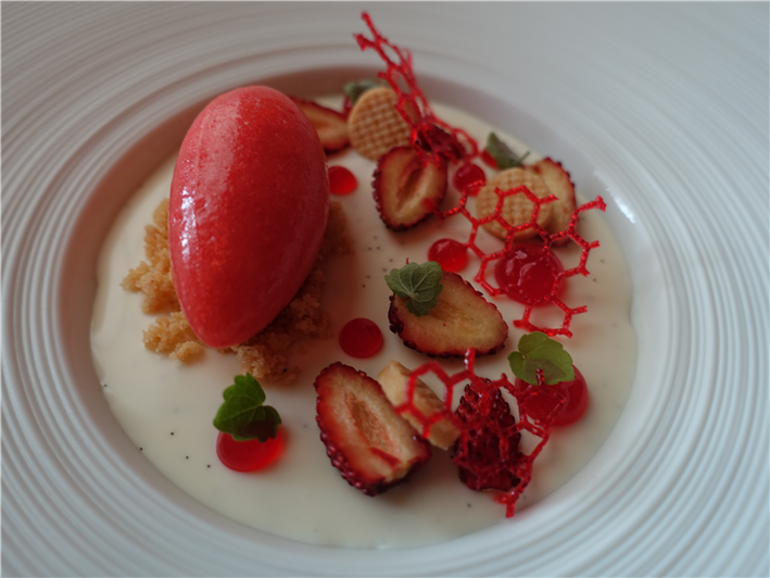 strawberry pre-dessert