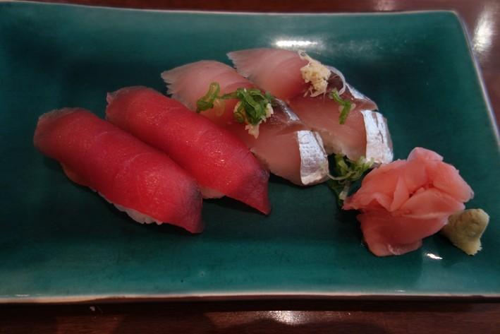 sushi (tuna and horse mackerel)