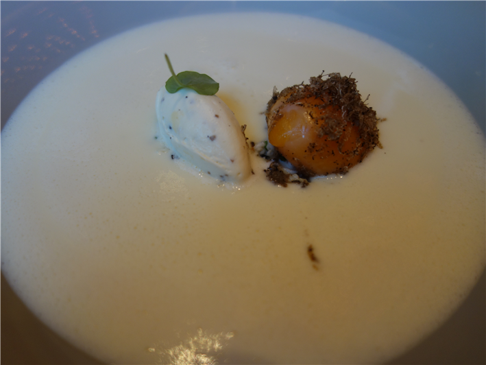 cauliflower veloute with duck egg