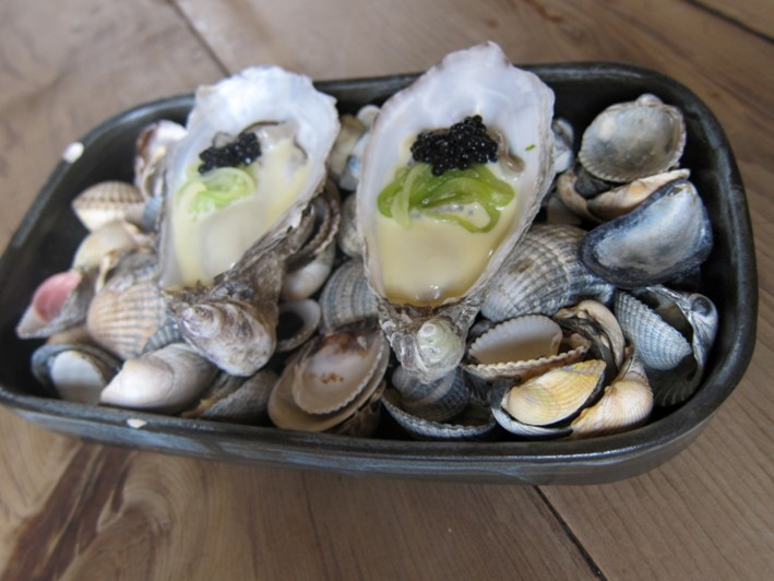 rock oysters with beurre blanc