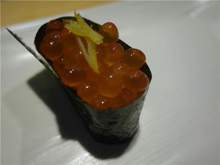 salmon roe roll