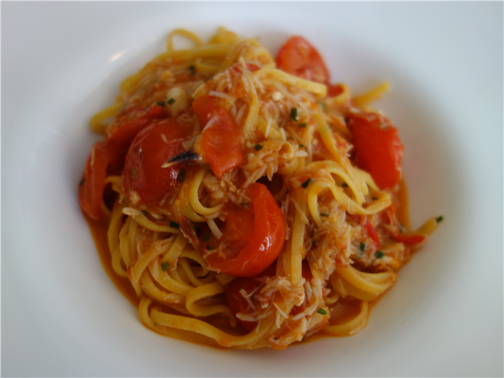 tagliolini with crab and cherry tomato