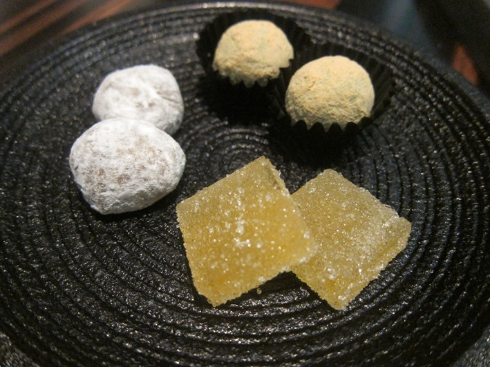 more petit fours