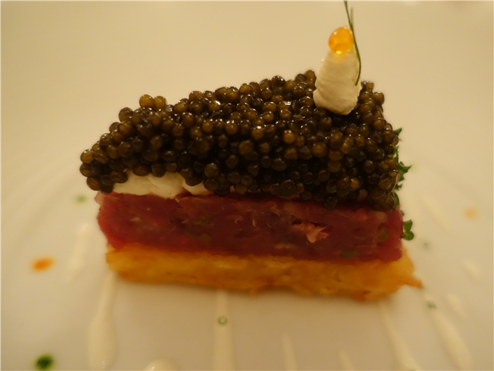 beef tartare with caviar