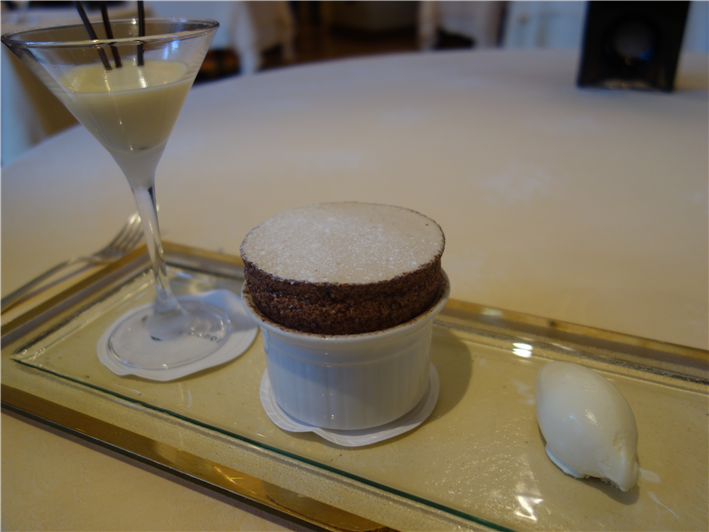 souffle with ice cream and cocktail
