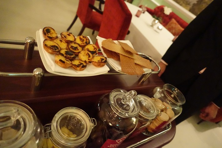 petit fours trolley